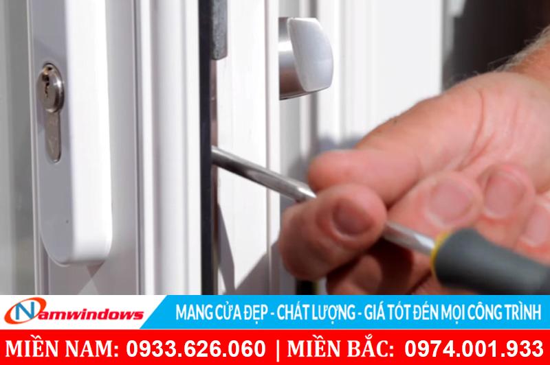 Sửa chữa bảo trì cửa nhựa lõi thép