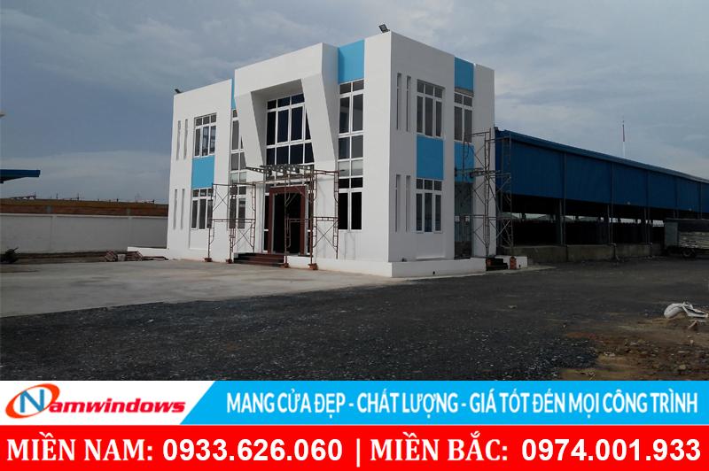 Lắp đặt cửa nhựa lõi thép cho nhà máy công ty khí đặc biệt Việt Nam