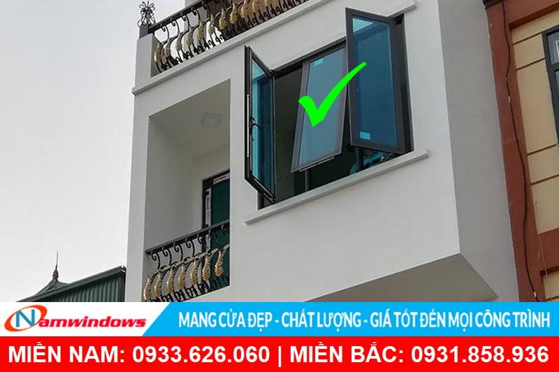 Cửa sổ 3 cánh nhôm kính
