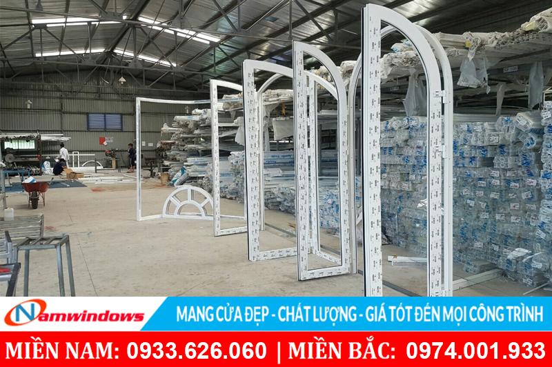 Hình ảnh sản xuất cửa nhựa lõi thép gia cường