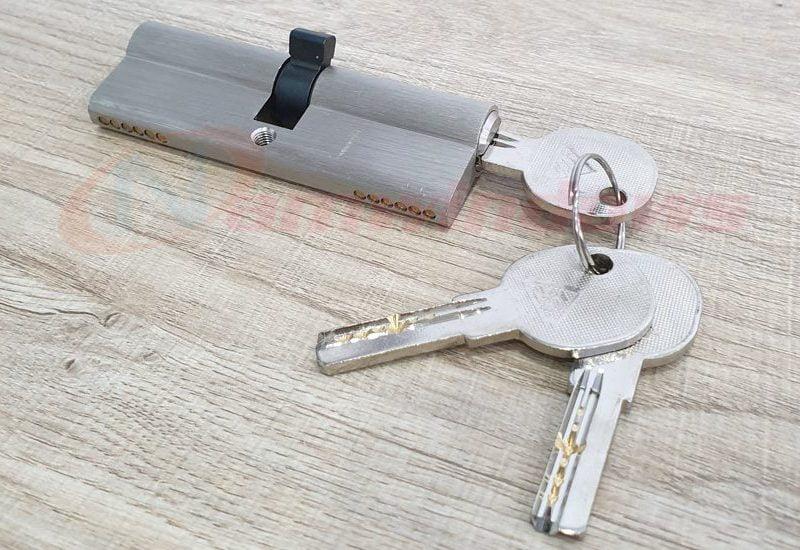 Lõi khóa 2 đầu chìa cửa nhựa lõi thép
