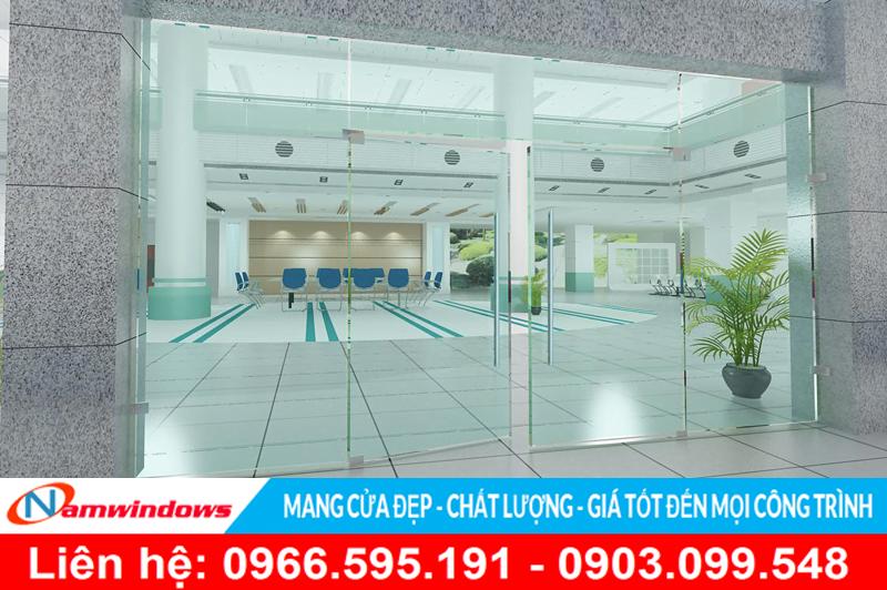 Mẫu cửa kính bản lề sàn cho sảnh chính của một văn phòng hoặc khách sạn