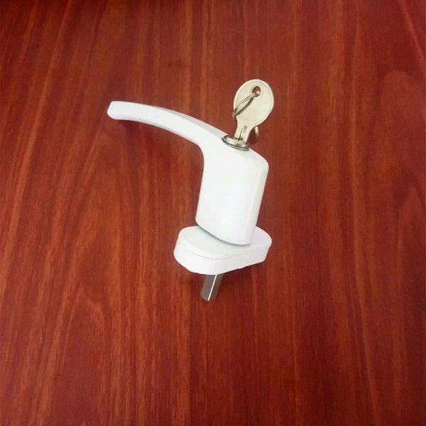 tay nắm cửa nhựa lõi thép có chìa khóa