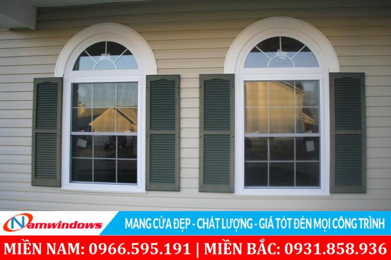 Mẫu cửa sổ vòm sử dụng nan trang trí