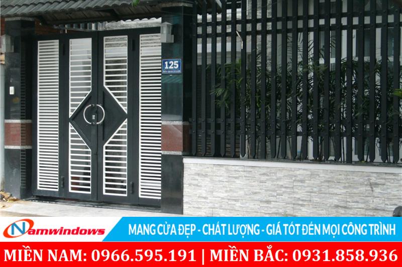 Chất liệu sắt làm cửa cổng, những cửa cần an toàn