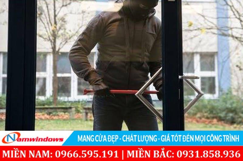 Cửa nhôm Xingfa có an toàn chống trộm không