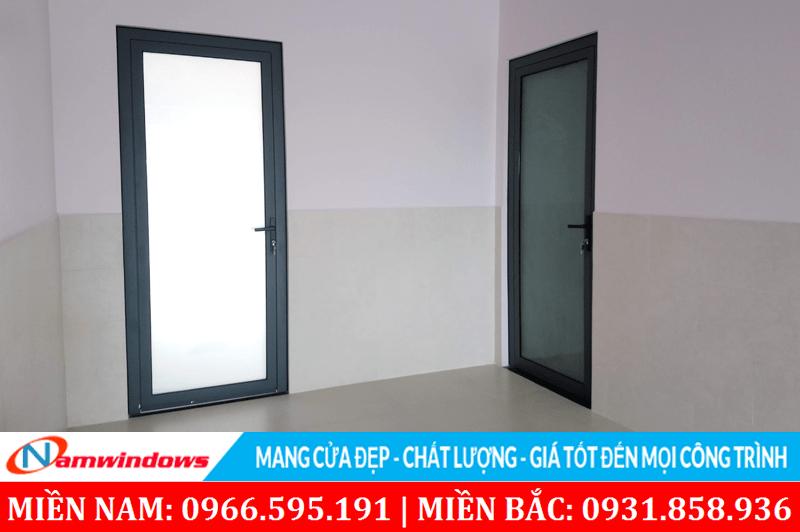 Cửa nhôm kính 1 cánh Xingfa cho nhà vệ sinh phòng tắm