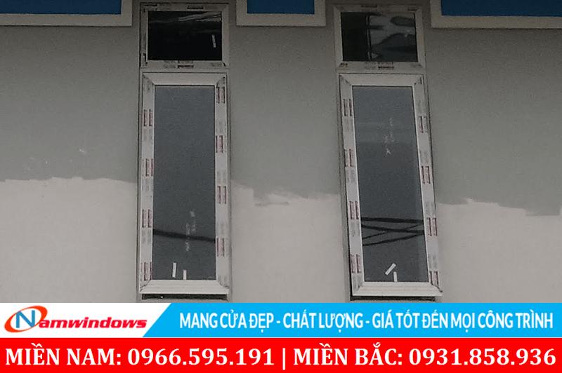 Cửa sổ 1 cánh mở hất lên trên Xingfa