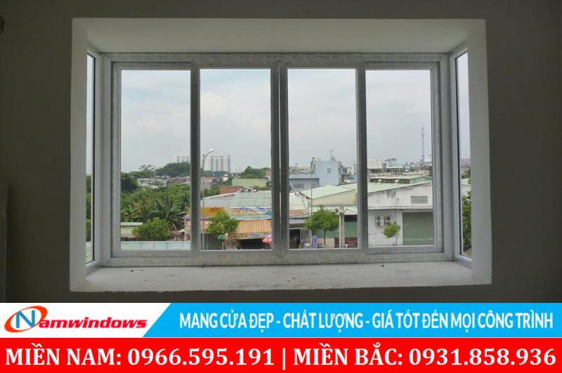 Mẫu 39: Cửa sổ hình chữa U kết hợp vách kính và cửa sổ lùa