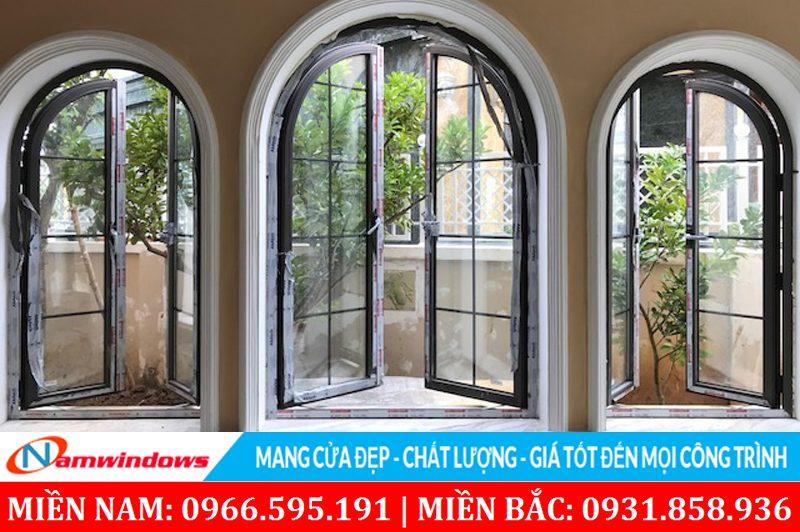 Mẫu cửa sổ nhôm kính 2 cánh mở quay hình vòm cung