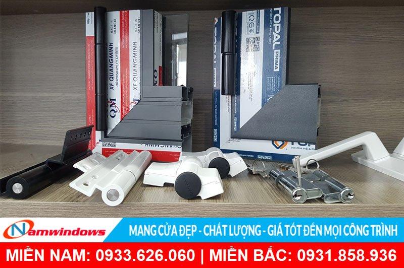 Phụ kiện cửa nhôm chính hãng cũng là một yếu tố quan trọng giúp cửa nhôm thêm chất lượng