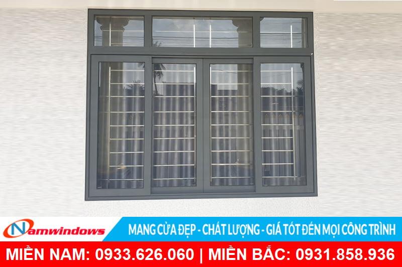 Cửa sổ 4 cánh mở hất