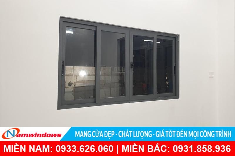 Mẫu cửa sổ lùa nhôm kính 4 cánh