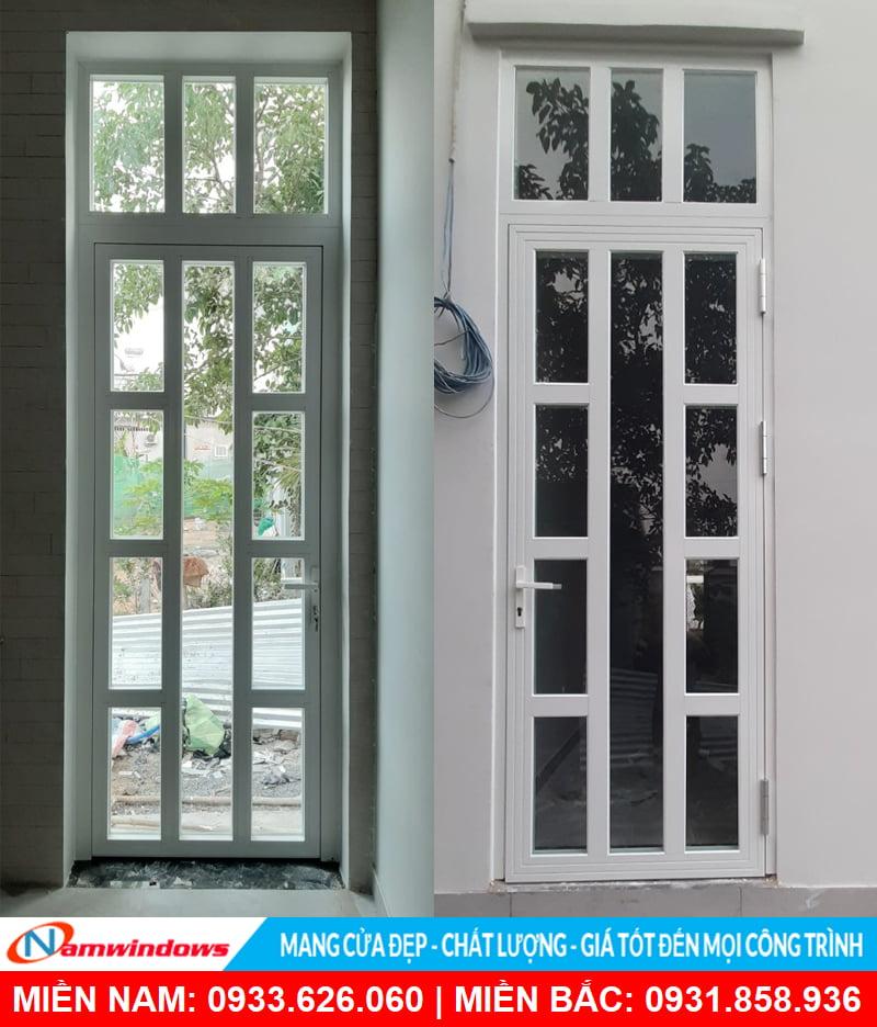 Mẫu cửa đi nhôm xingfa 1 cánh màu trắng chia đố an toàn