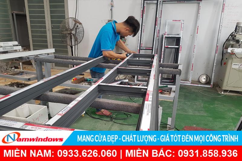 Nhân viên sản xuất tay nghề cao tại Namwindows