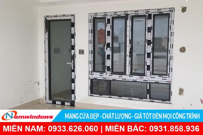 Cửa đi và cửa sổ nhôm cầu HMA sử dụng kính hộp 5-9-5