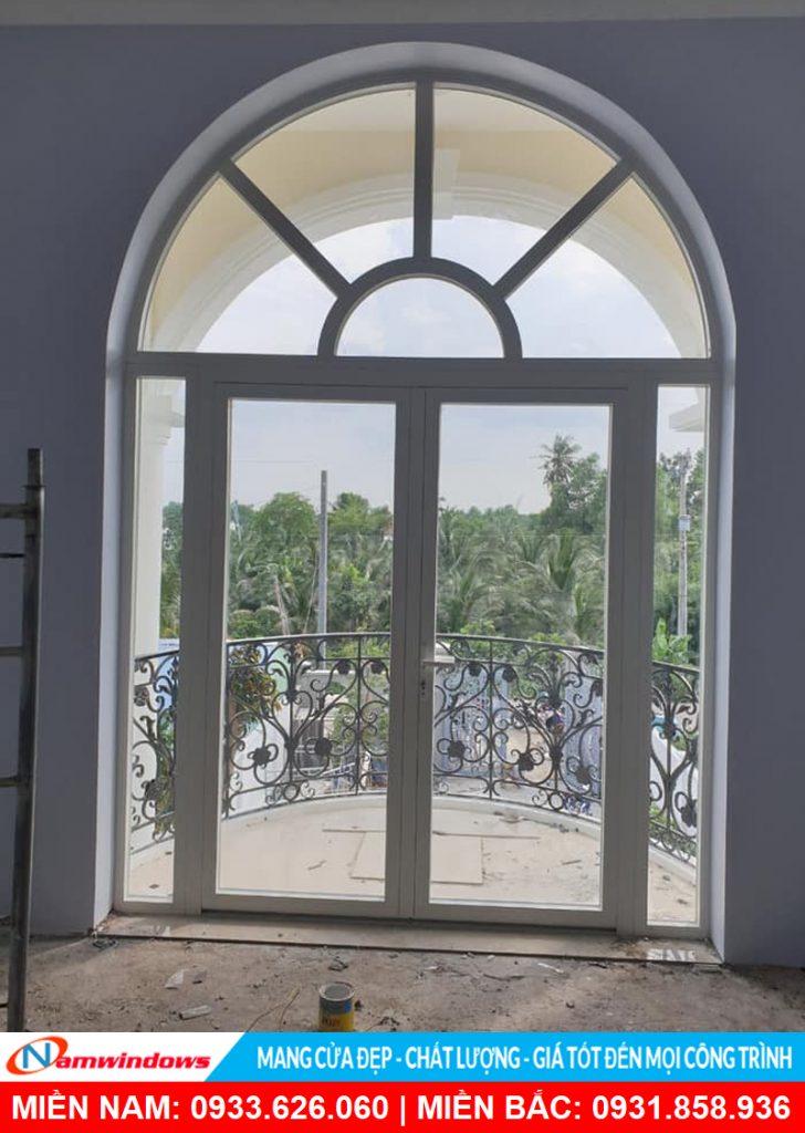 Mẫu cửa nhôm kính uốn vòm mặt trời