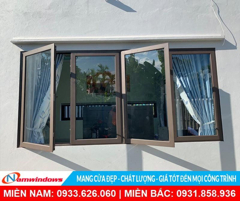 Cửa sổ 4 cánh nhôm kính