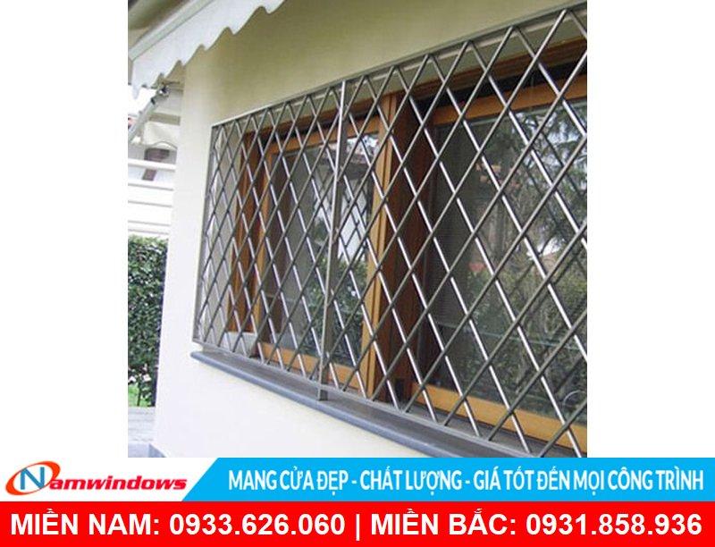 Tránh làm lưới cửa sổ quá dày