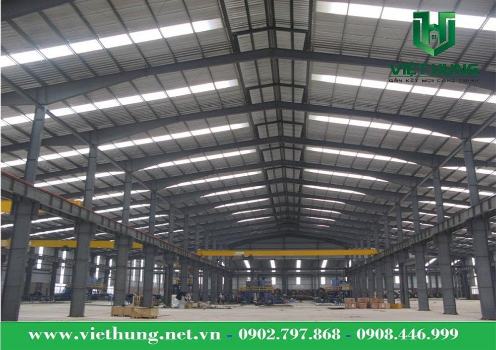 Tôn lấy sáng sợi thủy tinh Việt Hưng được nhiều khách hàng ưa thích lợp lấy sáng nhà xưởng, nhà kho